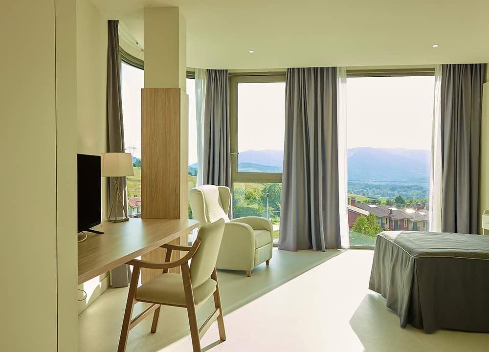 interior habitacion ventanal